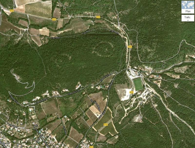 obs-de-rocbaron-yeux-dessines-ds-colline-140812-1.jpg